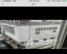 六合-龙池 原龙池花园朱港菜场对面小白楼浴室