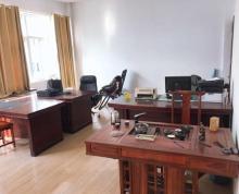 (出租)厂房出租,二楼桌椅设备齐全,三楼简装,价格可面谈