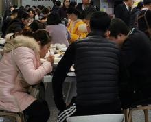 建邺区新地中心办公楼配套美食区内调两个档口招特色餐饮小吃