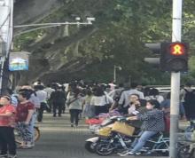 华侨路沿街门面出租 适合各种无油烟餐饮小吃 人流量大