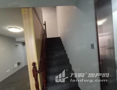 (出租)出租金鹰230平写字楼7万4一年.