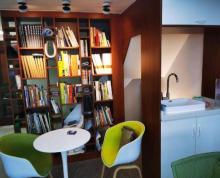 (出售)高端办公装修,自己选购,采光及景观极好,刚装修完毕。