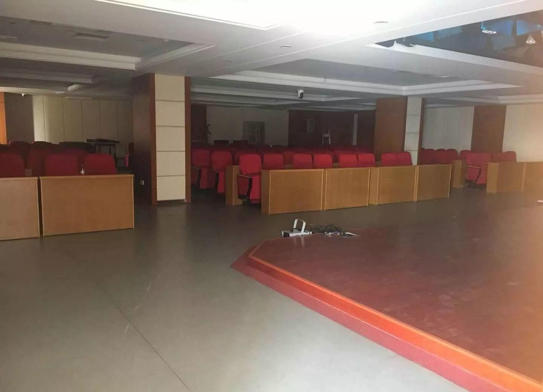 (出租)南苑大厦位于众多小区之中 适用于教育 精装全套家具