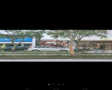 (出租)交通便利,跃进桥东苏果超市直对面,开过缝纫机店