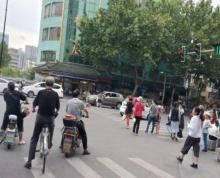出租太平南路常府街路口沿街旺铺人气旺可奶茶烘焙服装