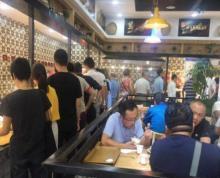 马台街 美食街商铺急租 适合各种业态 周围商业街小区密集