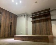 (出租)新城区 市政府 前排 精装修 包物业 实木装修 随时看房