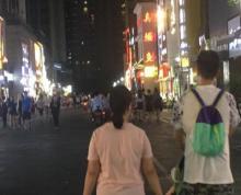 河西万达金街临街旺铺转让市口非常好门头超大展示面非常好人流量