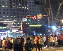 珠江路与丹凤街路口商铺招租,展示面好,位置佳,旺铺