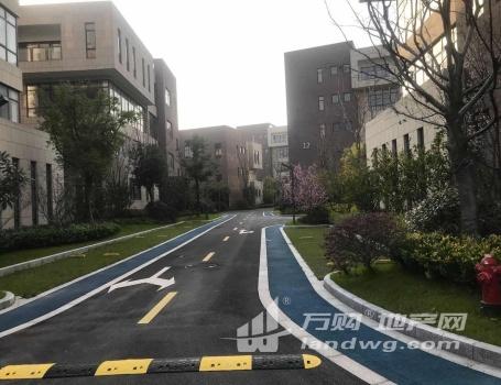 地铁口,万达商圈,高端独栋办公产业园对外出租,欢迎入驻