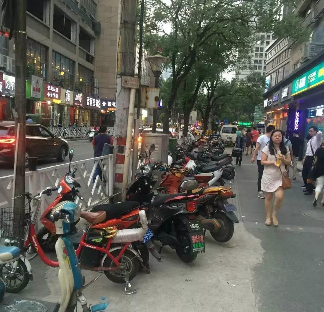 (出租) 珠江路烫手金铺 门头超大 双门头 门宽4.5米