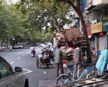 建邺区茶南商铺出租展示面好人流量大房东直租三岔路口