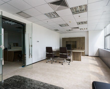 《长发数码大厦》 珠江路地铁 全套家具 户型方正 得房率高