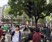 双杭城商圈公交站背后,沿街超大人流,行业不限