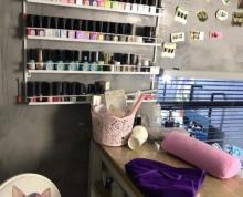 理发店招租美甲,合作仅靠大学商业楼。