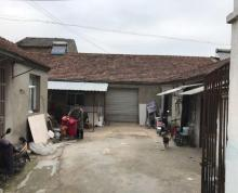 (出租) 龙潭 龙潭街公交站旁 厂房 300平米