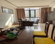 (出租)实图 精装门面房 层高7米多 已隔两层 可做教育机构及办公